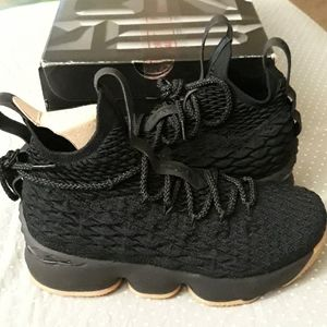 Other - Nike LeBron XV (15) gs boys/youth 5.5